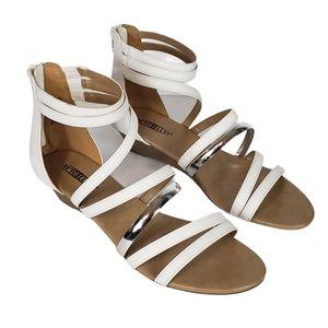 Seychelles white silver gladiator sandals sz 9